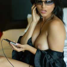 Indian Babe Sunny Leone Watch Me Naked Sex 18