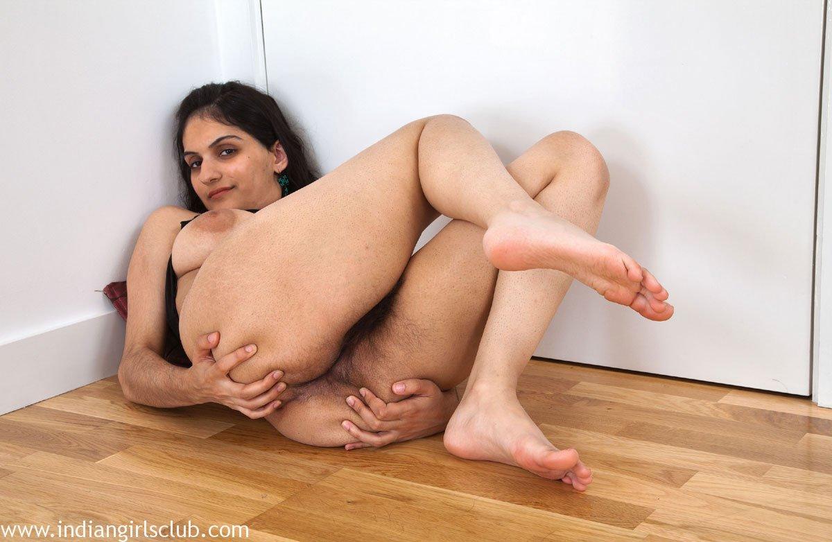 Dildo inside vagina