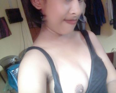 Petite Brown Sexy Nude Indian College Girl Malini 1