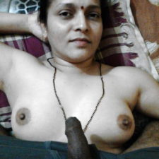 Real Amateur Indian Aunty Showing Big Juicy Boobs