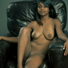 Desi XXX Model Gauri Showing Nice Perky Tits