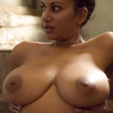 XXX Indian Babe Maya Showing Big Juicy Boobs