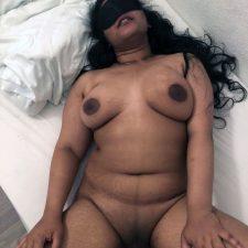 Indian Bhabhi Aishu Porn Photos
