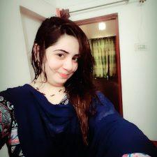 Pakistani Bhabhi Filming Her Naked Porn Photos