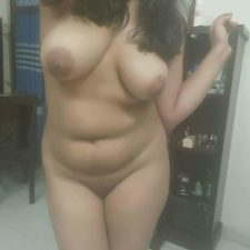 Indian Sex Chat With Beautiful Hot Babe Sitting Naked