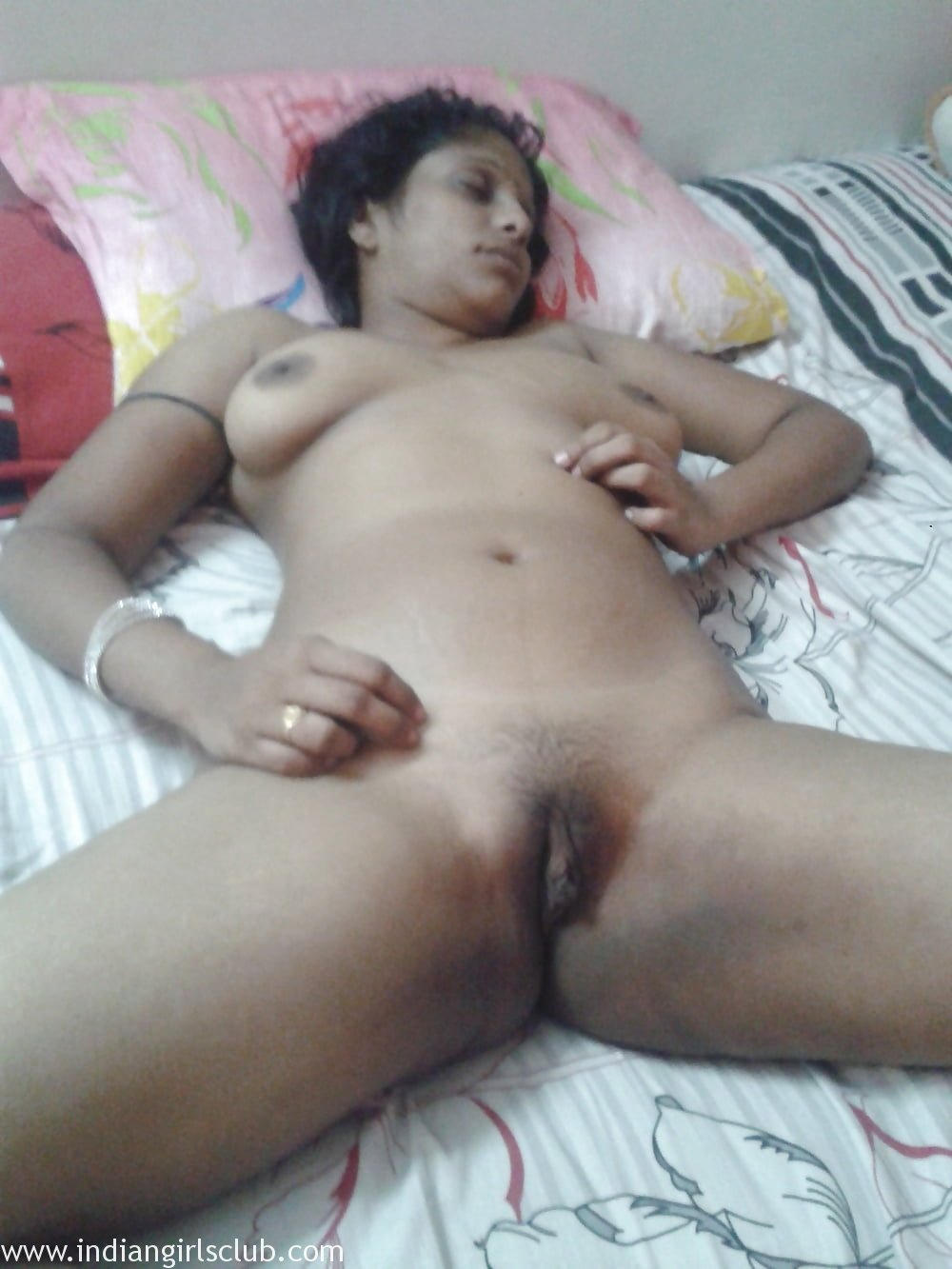 sleeping aunty naked full