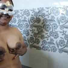 Big Boob Indian Bengali MILF Dipinitta Bhabhi Shower