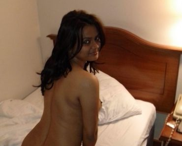 Attractive Indian Beauty Exposing Big Round Ass With Boobs
