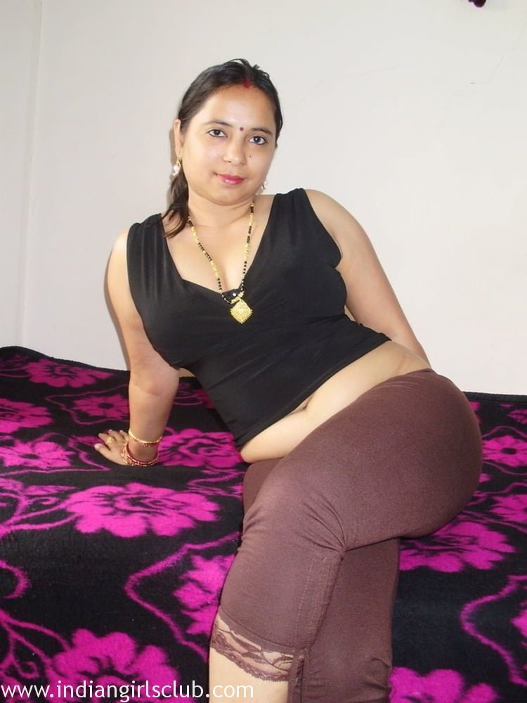 pics her inbian stripping woman saree