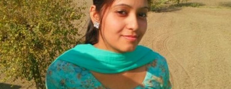Newly Married Indian Wife Kavita In Erotic Lingeriea