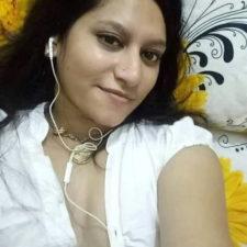 Horny Big Boobs Indian Bhabhi Taking Nude Pics