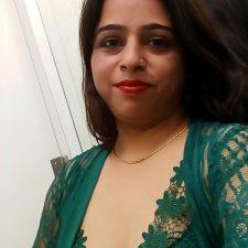 Desi Big Boob Bhabhi Anjali Bathroom Nude Photos