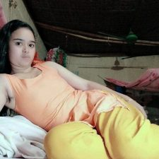 Bangladeshi School Girl Porn Showing Wet Pussy