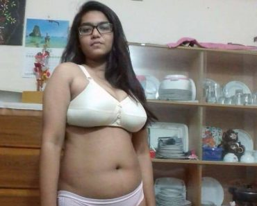 Cute Bengali College Girl Filming Her Nude Sex Videos