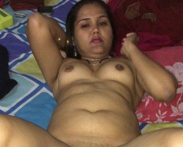 Gujju Bhabhi Nirmala Stripping Saree Having Rough Sex